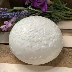 Vintage Oneida Sculpted Crystal Dish